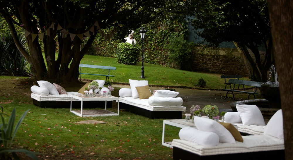 Omb decoraci n alquiler mobiliario zonas chill out - Decoracion chill out ...